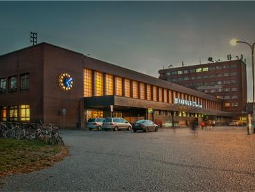 Prodejna v hale nádraží ČD